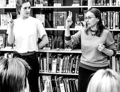 Разговорный клуб жестового языка
