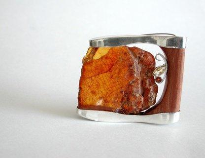 Выставка «Камень, дерево, бумага»