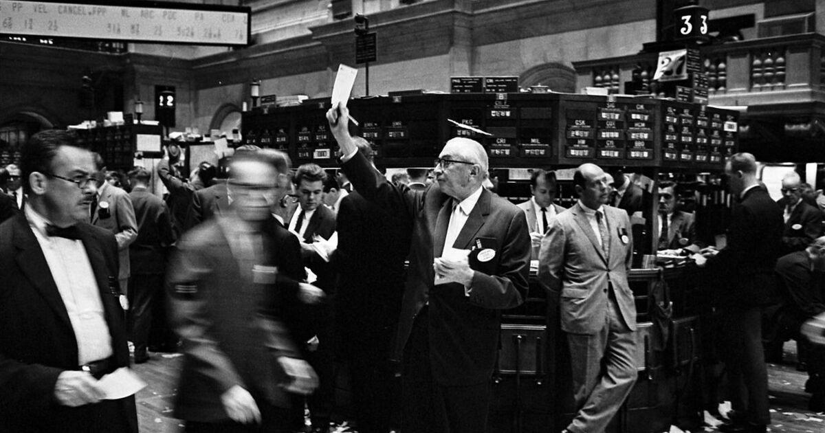Как заработать на бирже новичку из дома: сколько зарабатывают через интернет на фондовой бирже