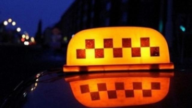 В правительстве опубликовали список служб такси, которые 9 мая будут возить ветеранов бесплатно