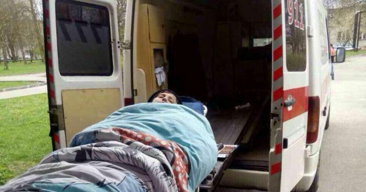 """""""Вы ремнём не пристёгнуты"""": инспекторы ГИБДД полчаса продержали скорую, которая везла в больницу женщину с инсультом"""
