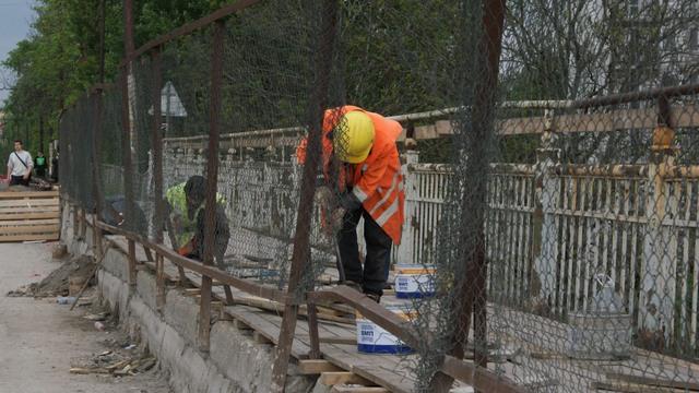 Позволявшая следить за ремонтом моста на Суворова камера перестала работать