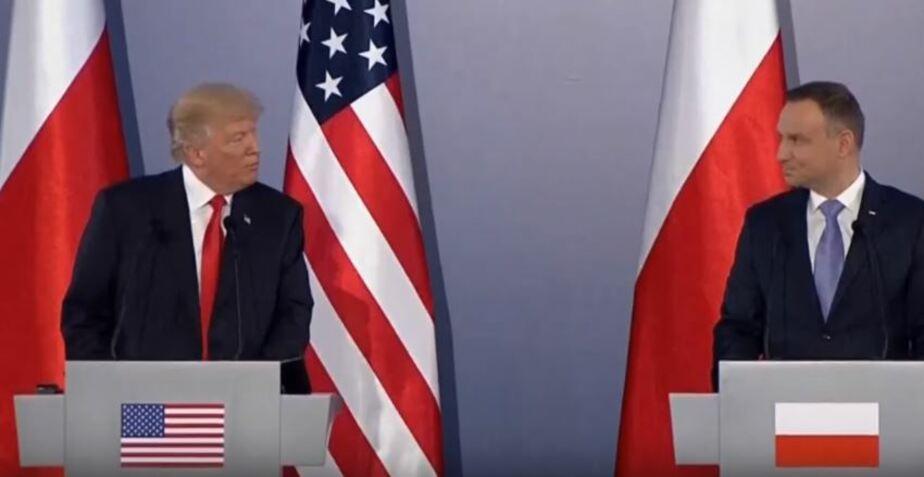 Кадр видеозаписи пресс-конференции в Варшаве