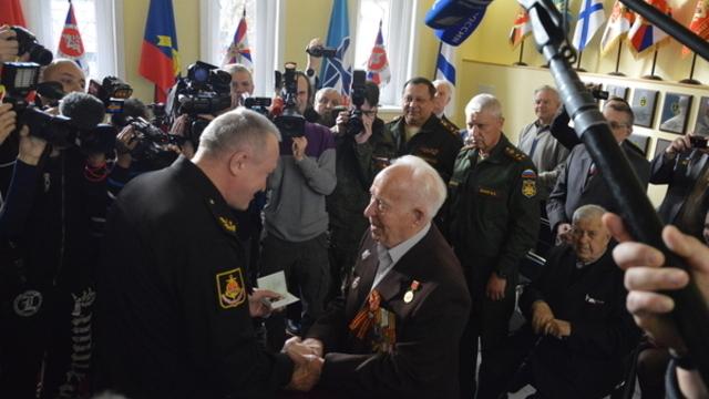 Переехавший в Калининград из Донецка ветеран в День Победы наденет орден, который ему забыли вручить 71 год назад