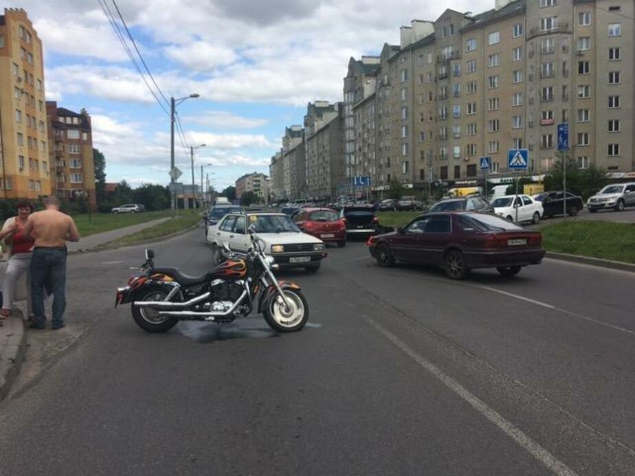 Авария на ул. Гайдара  / Фото: пресс-служба УМВД по Калининградской области