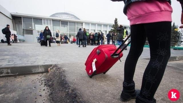 Аэропорт Храброво возобновил работу после ЧП с самолётом