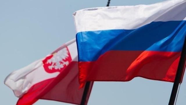 Польский сенатор: Властям Польши будет предъявлен коллективный иск из-за отмены МПП с Калининградской областью