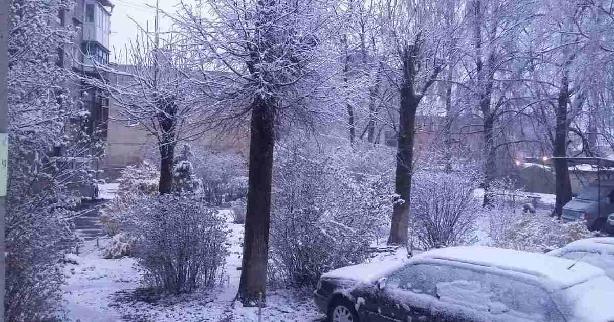 В апрельскую пасхальную ночь в Калининграде пошёл снег (фото)