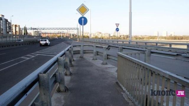 В Калининграде из-за укладки асфальта частично ограничат движение транспорта на Второй эстакаде