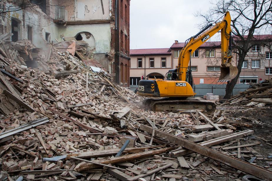 Ярошук: Не понимаю ажиотажа вокруг сноса здания на Томской