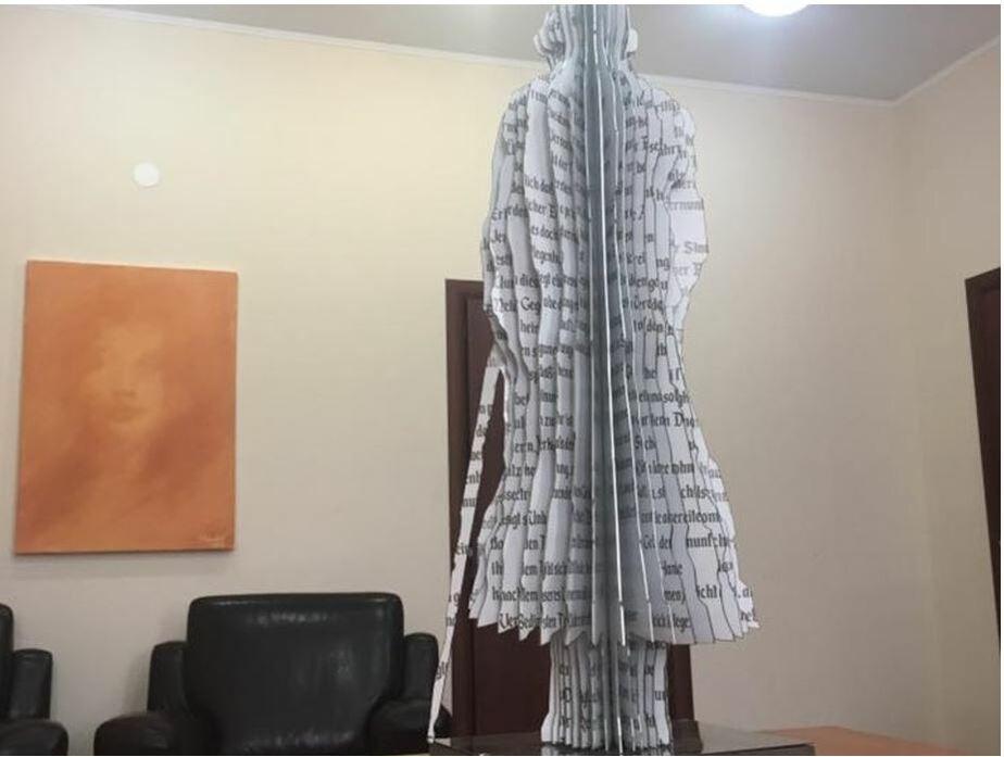 Ярошук пообещал выделить место для установки скульптуры Канта, пропавшей с площади Победы