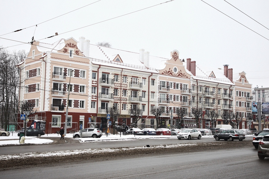 На Ленинском проспекте в Калининграде завершают капремонт ещё одного дома