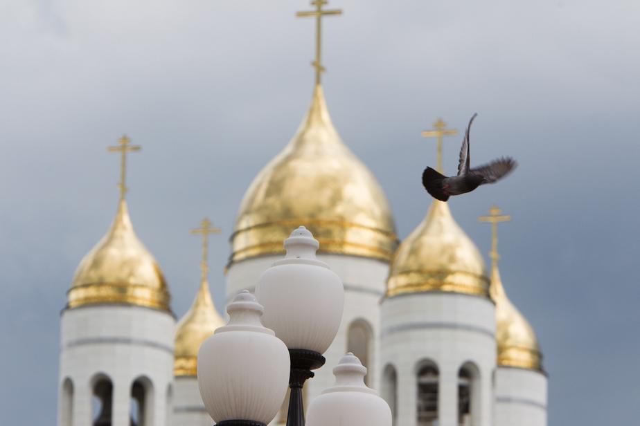 Калининградская епархия РПЦ: святая вода раздаётся бесплатно