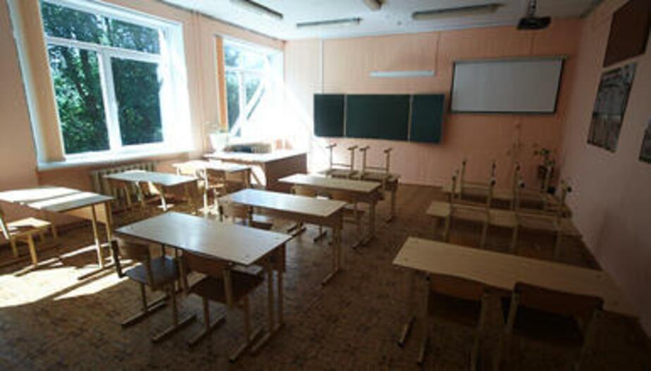 """""""Ваш сын алкаш!"""": в Калининграде 13-летний школьник попал в больницу после того, как его ударила учительница"""