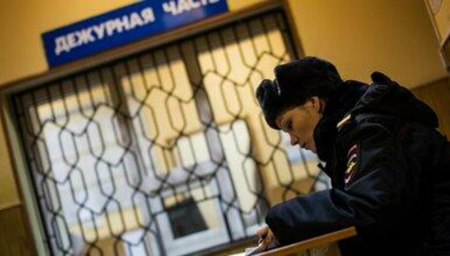 Калининградец, ранее судимый за тяжкое преступление, украл вещи из детской коляски