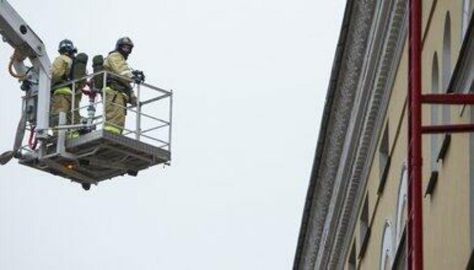 В московской школе обрушилась крыша, есть пострадавшие