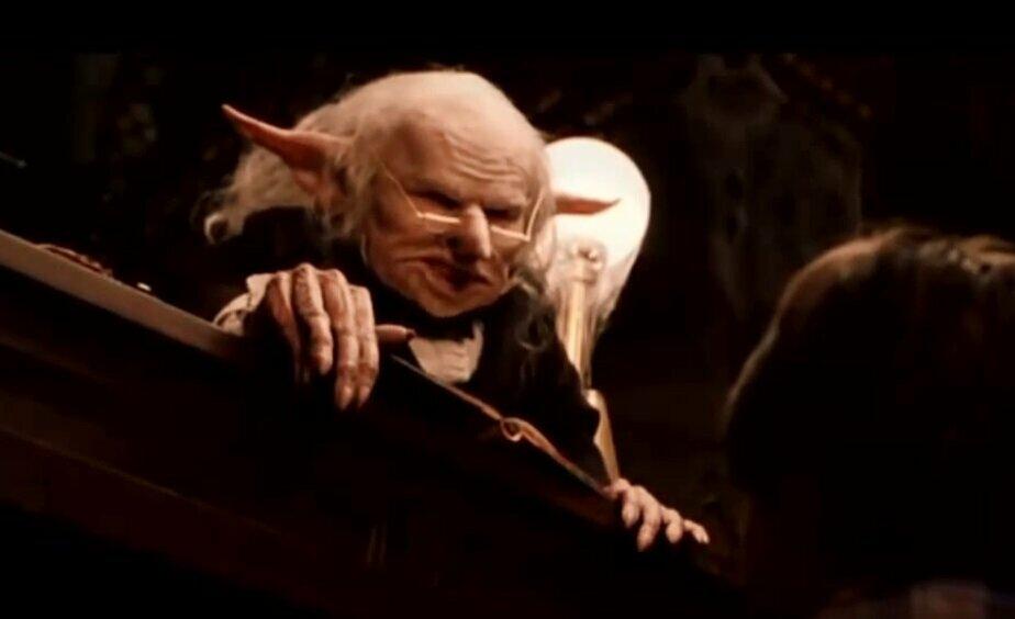 """Фото: кадр из фильма """"Гарии Поттер и философский камень"""""""