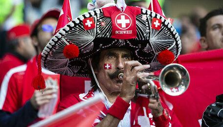 """""""Кофе нет, есть пиво"""": как гуляли калининградцы и гости города после матча Швейцария — Сербия"""