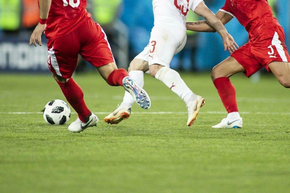FIFA рассмотрит поведение швейцарских футболистов, показавших герб Косово на мачте в Калининграде