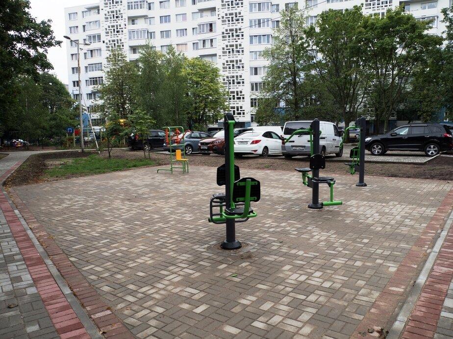 В Калининграде завершилось благоустройство одного из самых больших дворов