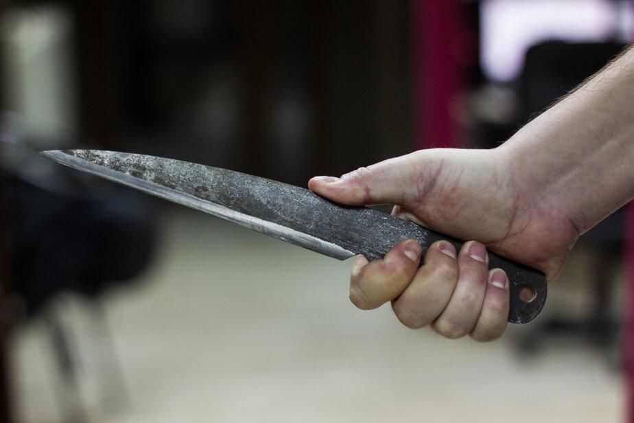 В Германии неизвестный ранил ножом 14 пассажиров рейсового автобуса