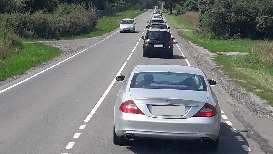 На трассе Калининград-Балтийск в районе Кострово собралась пятикилометровая пробка