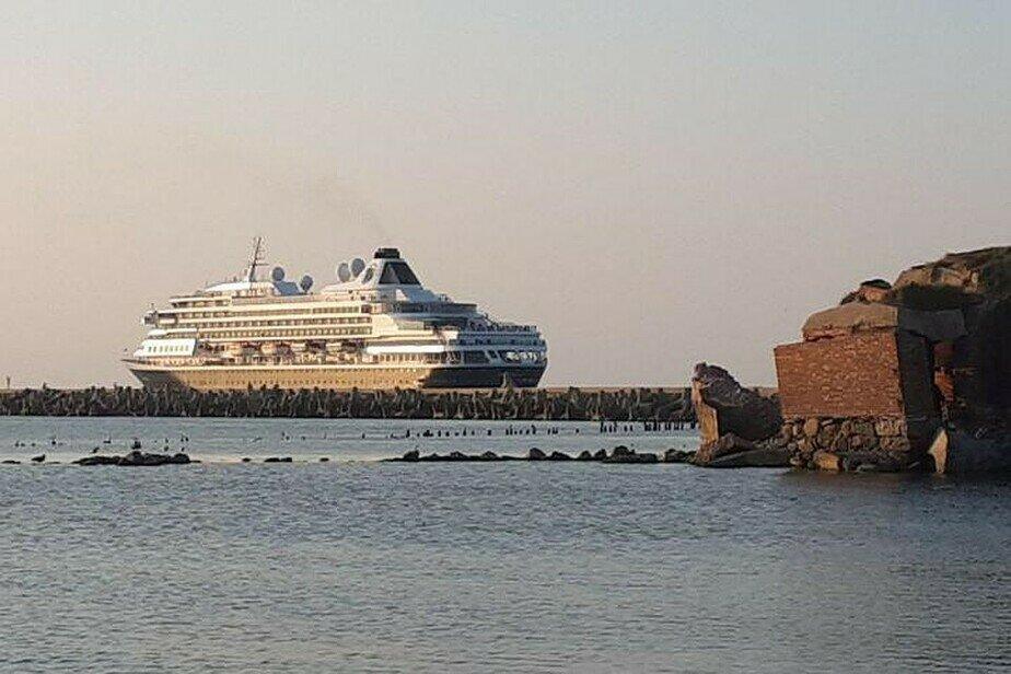 На 200-метровом лайнере в Балтийск приплыла тысяча американцев