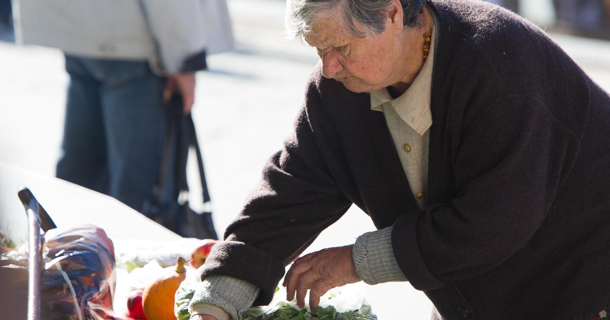 Предпенсионный возраст увольнение с работы как получить пенсию с почты умершего человека