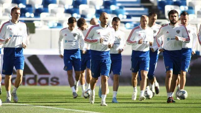 Сборная России по футболу провела тренировку на стадионе