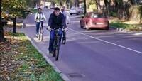 Алиханов на велопрогулке оценил качество ремонта улиц Калининграда (фото)