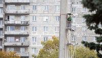 На Московском проспекте начали демонтировать стелу памятного знака морякам-балтийцам