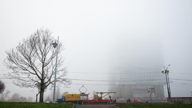 Дом Советов в тумане