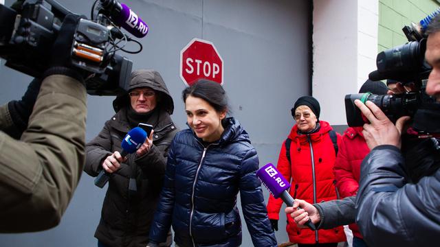 Врача калининградского роддома №4 Елену Белую выпустили из СИЗО (фото, видео)