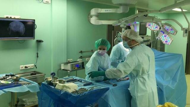 В Калининградской области провели первую сложную операцию по протезированию сустава стопы
