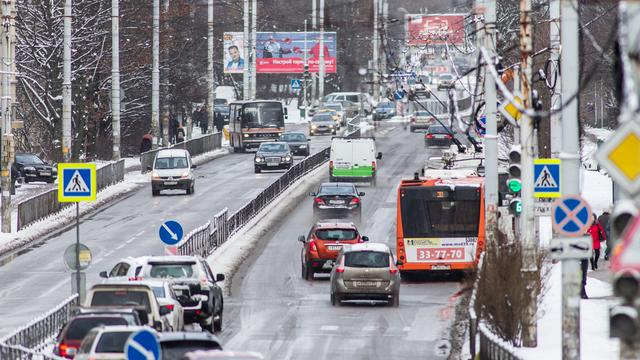 """В России отменили обязательную установку на автомобилях знака """"Шипы"""""""