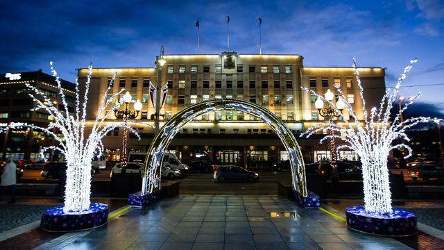 Новогоднее украшение площади Победы в Калининграде