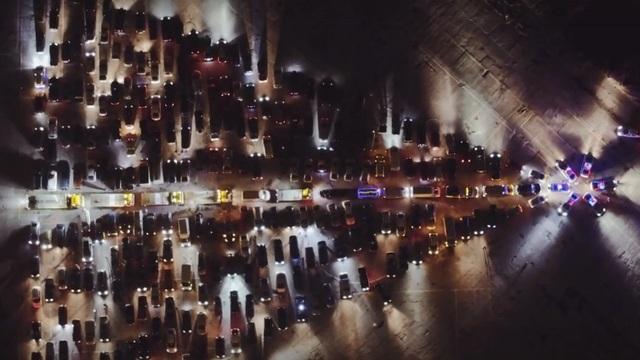 Калининградские автомобилисты выстроят из машин снежинку