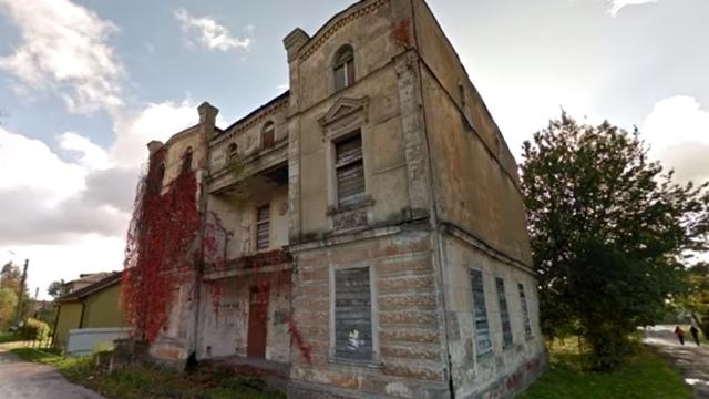 Варламов включил здание банка в Нестерове в рейтинг архитектурных потерь года