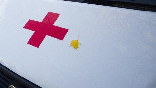 Очевидцы: на Железнодорожной Mercedes врезался в столб (обновлено)
