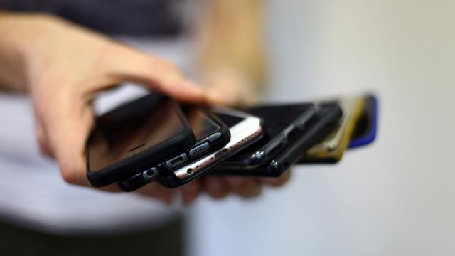 Motorola возобновит выпуск раскладушки RAZR
