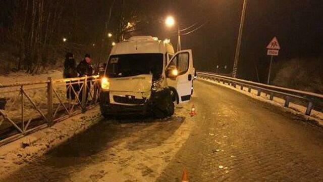Дорожники рассказали о состоянии трассы под Черняховском, где в ДТП попал микроавтобус с детьми