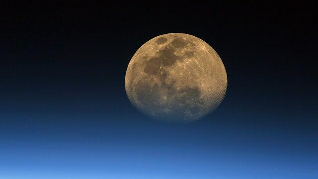 Россия за свой счёт построит корабль для полёта на Луну