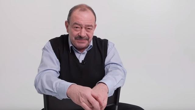 Телеведущий Михаил Кожухов записал ролики о