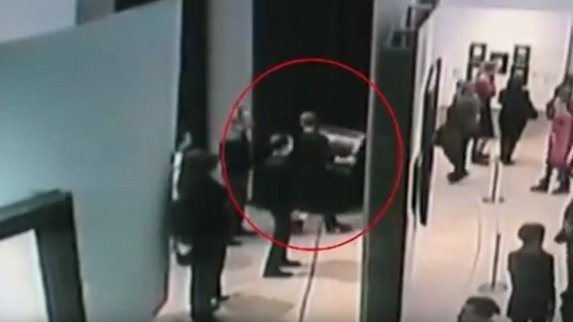 МВД опубликовало видео кражи картины Куинджи из Третьяковки