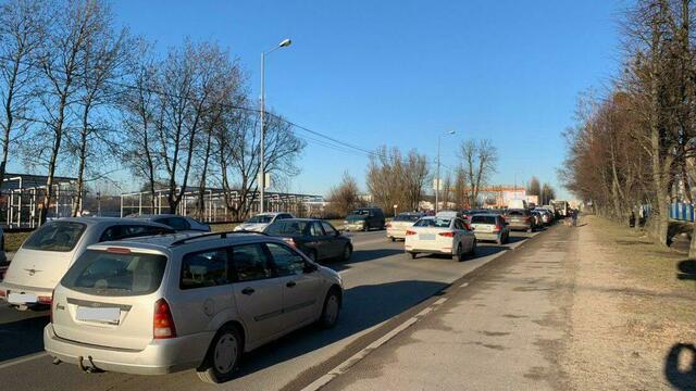 Большая Окружная и Невского встали в многокилометровом заторе