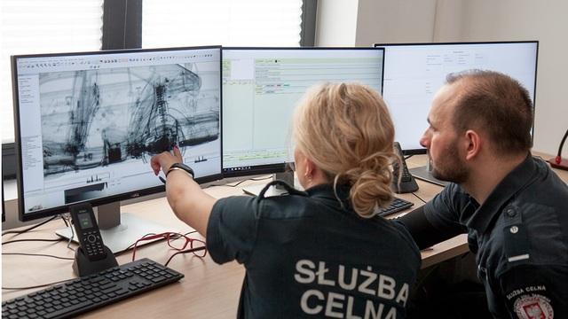 На погранпереходе в Голдапе установили сканер с рентгеном для обнаружения контрабандных сигарет