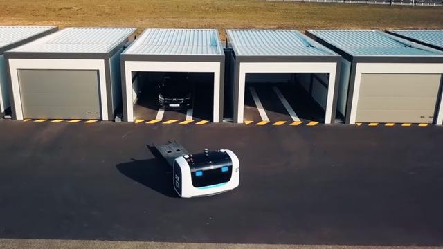 В аэропорту французского Лиона появились роботы-парковщики (видео)