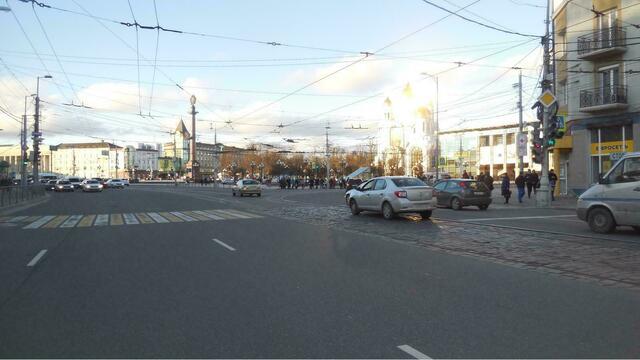 На Ленинском проспекте рейсовый автобус сбил 16-летнего подростка