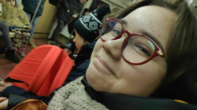 В Калининграде собирают деньги на лечение ученицы ШИЛИ, на которую упал шкаф