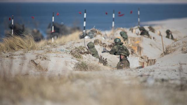 Балтфлот опубликовал видео высадки морского десанта на учениях в Хмелёвке